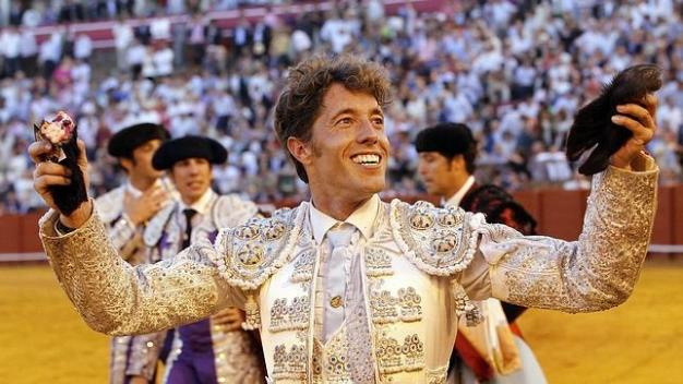 Mnanuel Escribano lors de son triomphe à Séville en 2013 © Raul Doblado